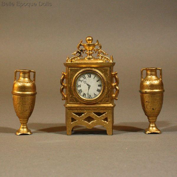 Antique dolls house mantel clock   Puppenstuben zubehor tischuhr. Antique Dolls House Accessories   Antique Miniature Gilt Painted