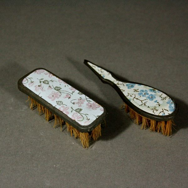Antique Doll miniature brush set , Puppen zubehor Haarbürste