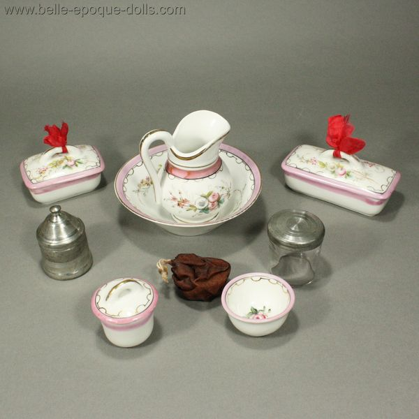Puppen toilette parfüm  , Antique dolls wash set