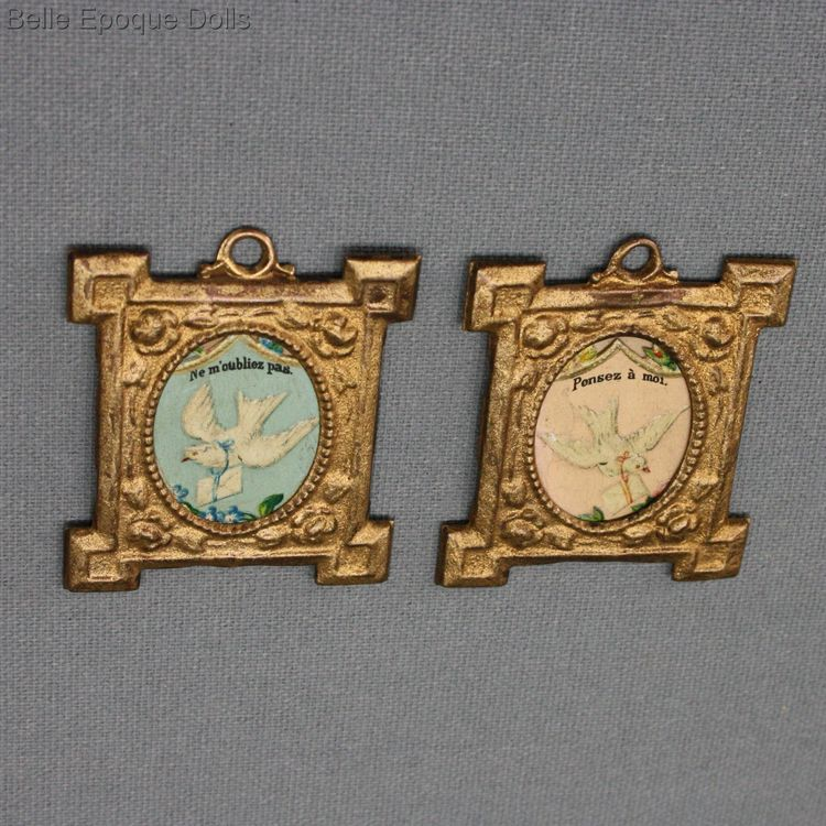Antique Dolls House Accessories / Antique set of Prints in Gilded Frames -  Ref A0659