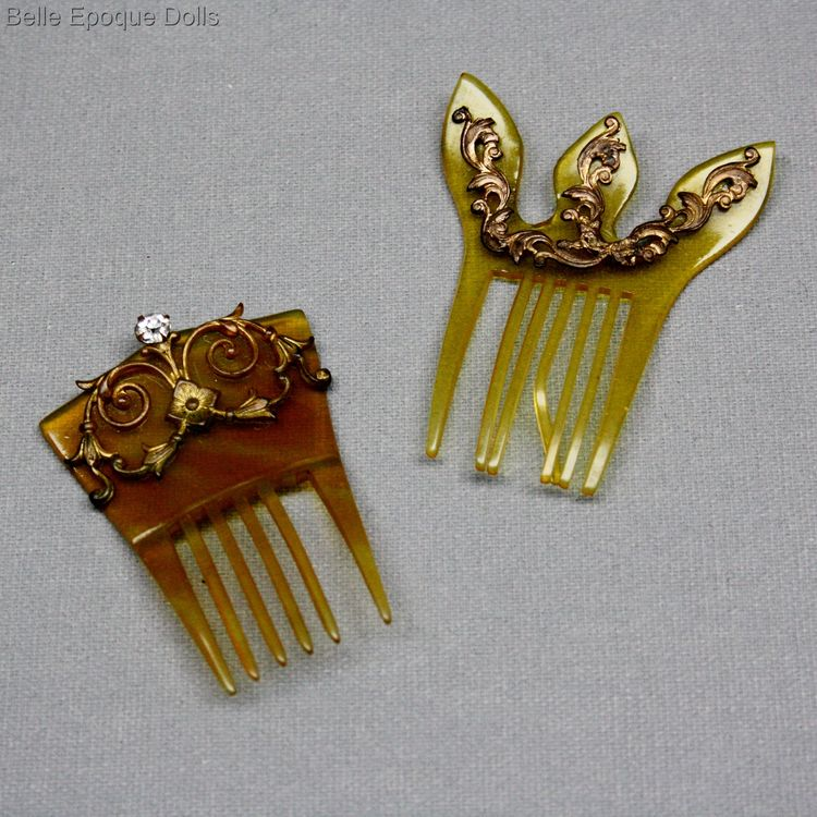 Puppen zubehor haarkämme , Antique Fashion Doll miniature hair comb brush brooch , Puppen zubehor haarkämme