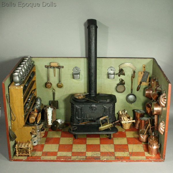 Antique dollhouse cast iron stove , Puppenstuben küchen utensilien kupfer, messing,  , Antique miniature kitchen with pewter