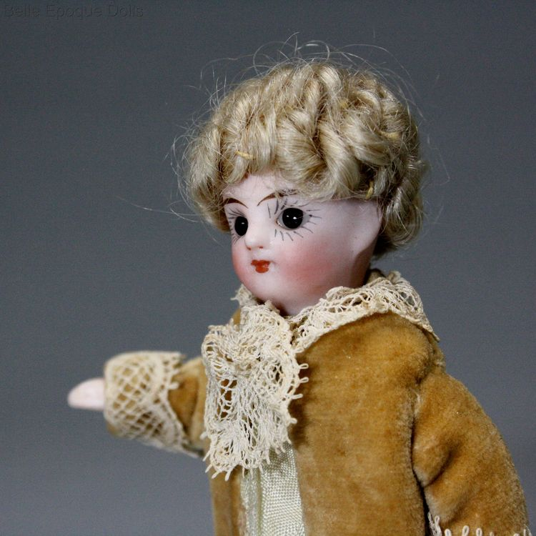 Antique Dollhouse miniature doll  , lPuppenstuben ganzbiskuit puppen