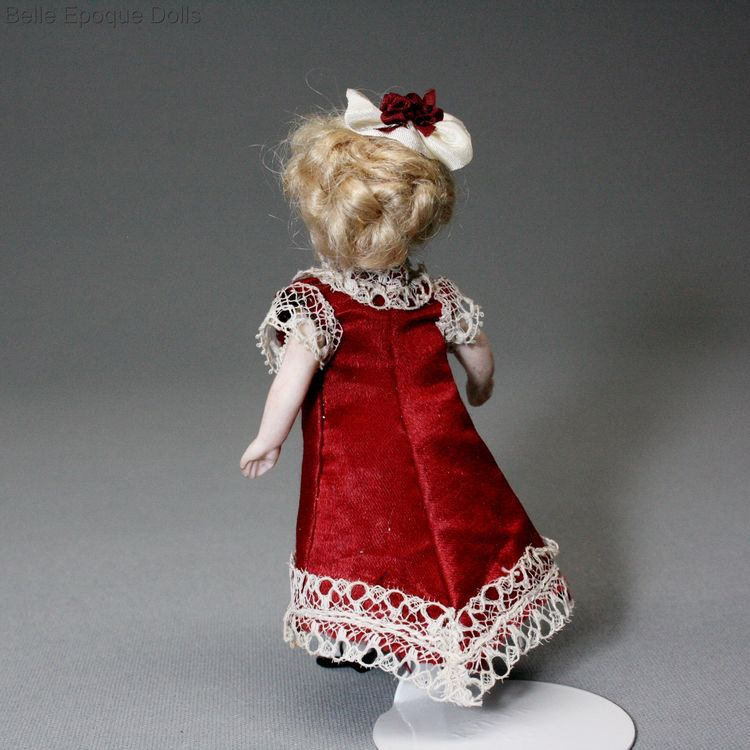 Puppenstuben ganzbiskuit puppen , Antique dolls house all-bisque doll