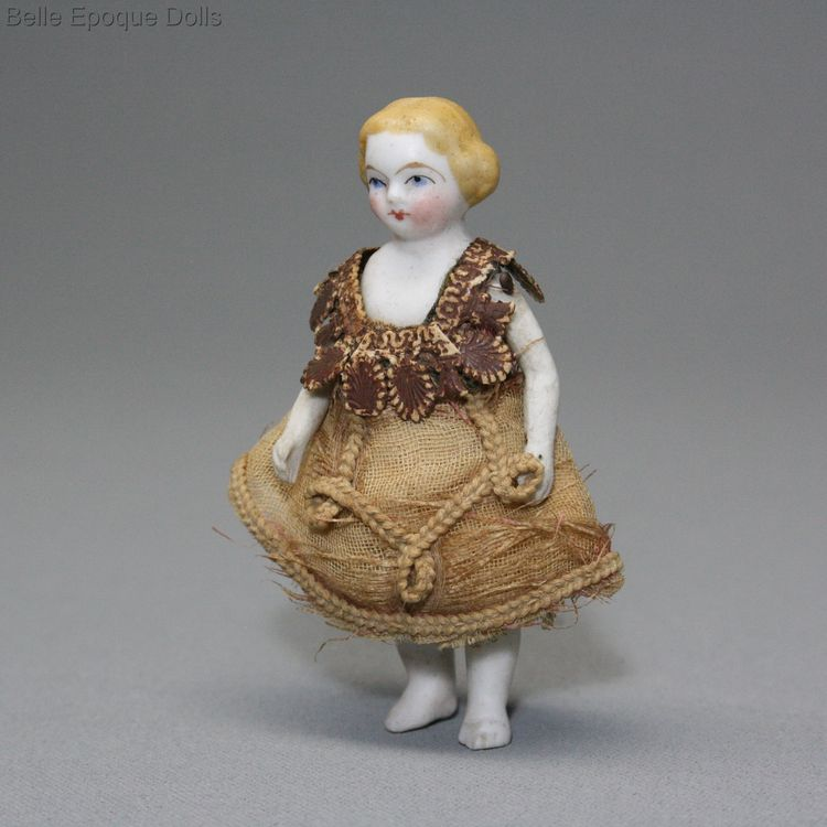 Antique Dollhouse all-bisque  doll , Puppenstuben puppen