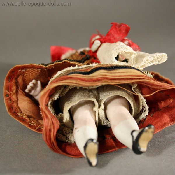 Antique all bisque doll mignonette  , French antique tiny nanny , Puppenstuben ganzbiskuit puppen
