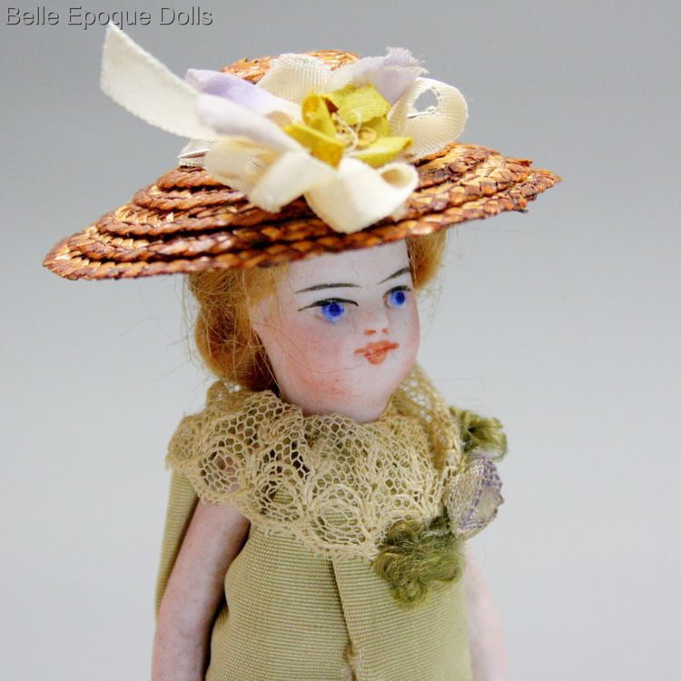 Antique dolls house all-bisque mignonette , Puppenstuben ganzbiskuit puppe mignonette