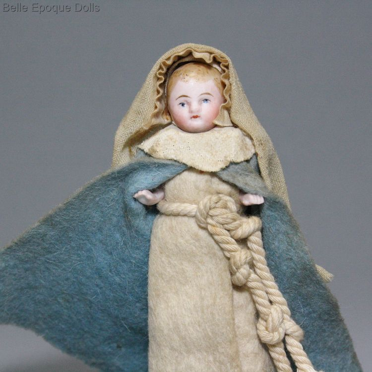 Antique dolls house all bisque nun , Puppenstuben zubehor