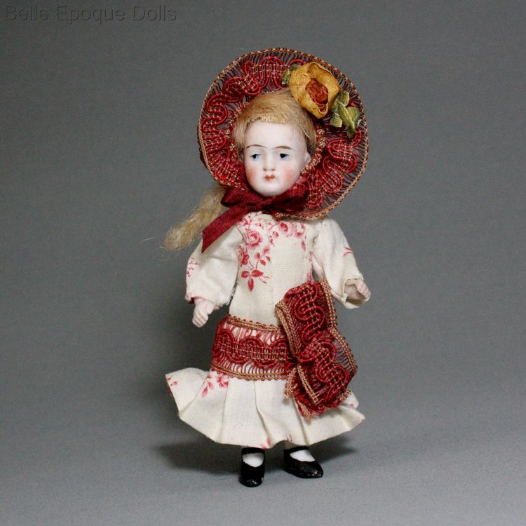 Puppenstuben ganzbiskuit puppen , Antique all bisque doll , Puppenstuben ganzbiskuit puppen