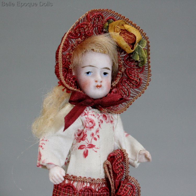 Antique all bisque doll , Puppenstuben ganzbiskuit puppen
