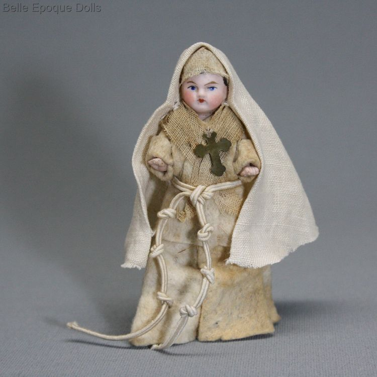 Antique dolls house all-bisque nun , Puppenstuben zubehor