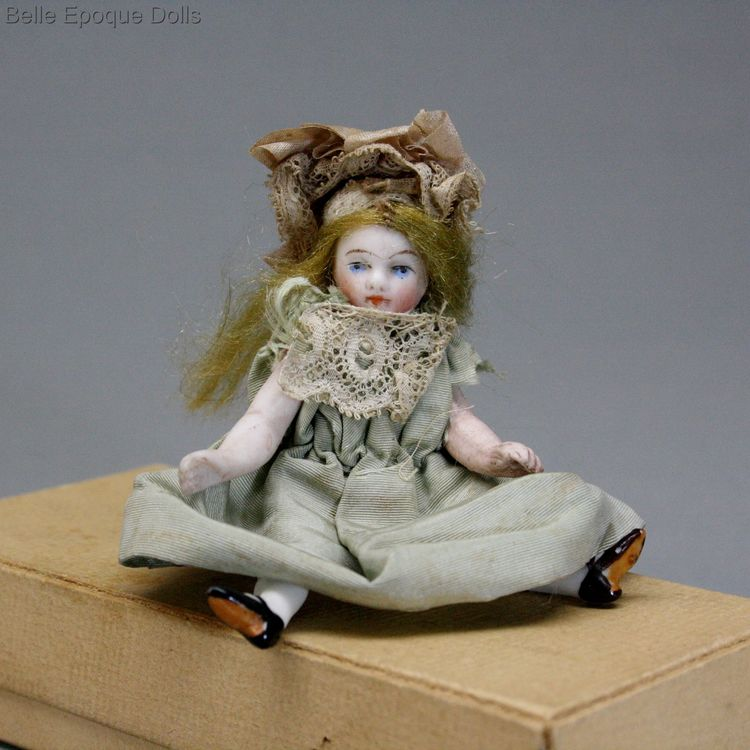 Antique Dollhouse miniature all bisque doll ,  Puppenstuben ganzbiskuit puppe mignonette